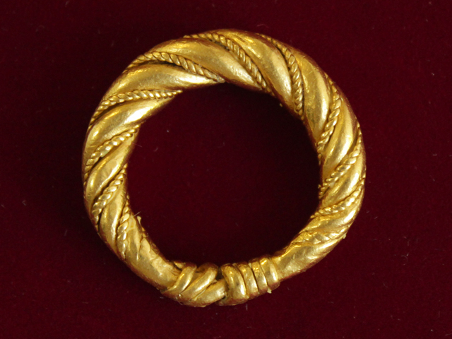 Twisted ring from island of Gotland. 11th century. Gold 900*, filegreed. D-25,0 mm. Excavations by V. Bulkhin. Upper Castle, Polotsk, 1978